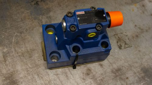 Load holding valve